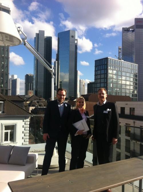 Dr. Roman Wagner auf Dachterasse von Design Offices FFM